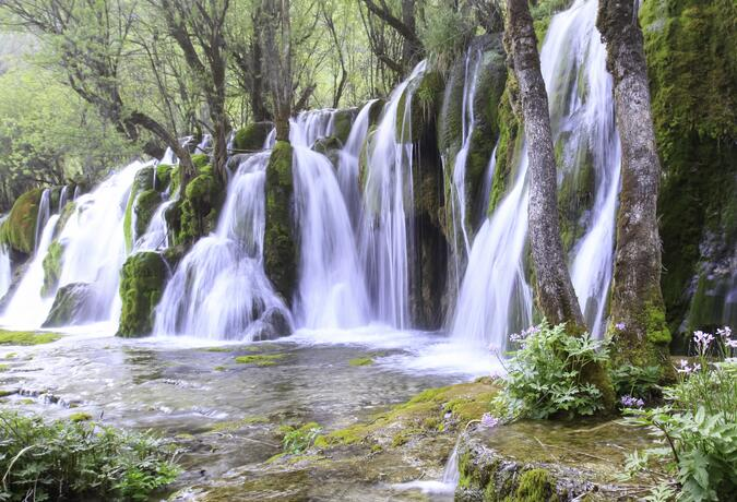 8 Day Discover the Fairyland of Jiuzhaigou
